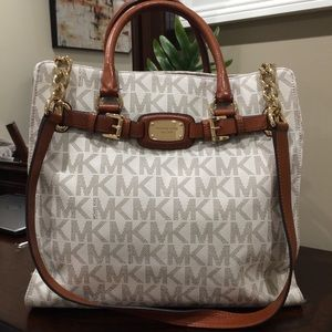 Michael Kors Bag 💯% authentic!!
